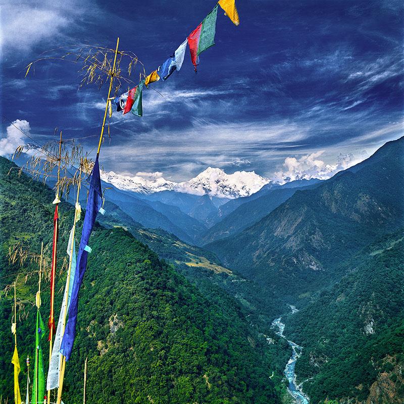 Rivière Testa et Mont Kangchenjunga - Vue des environs de Singhit (Sikkim)