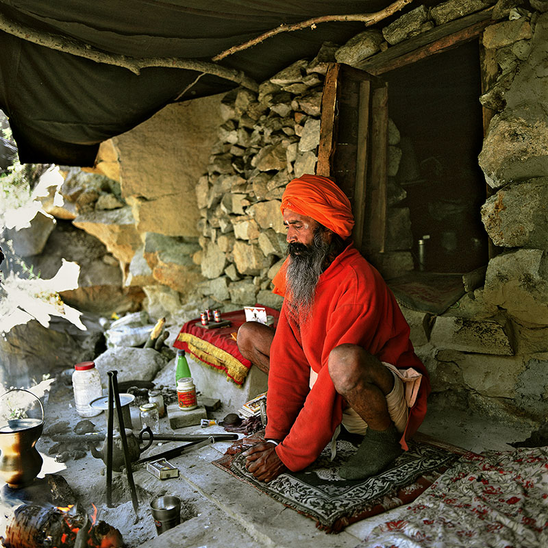 Saddhu habitant dans une grotte - Gangotri, Inde