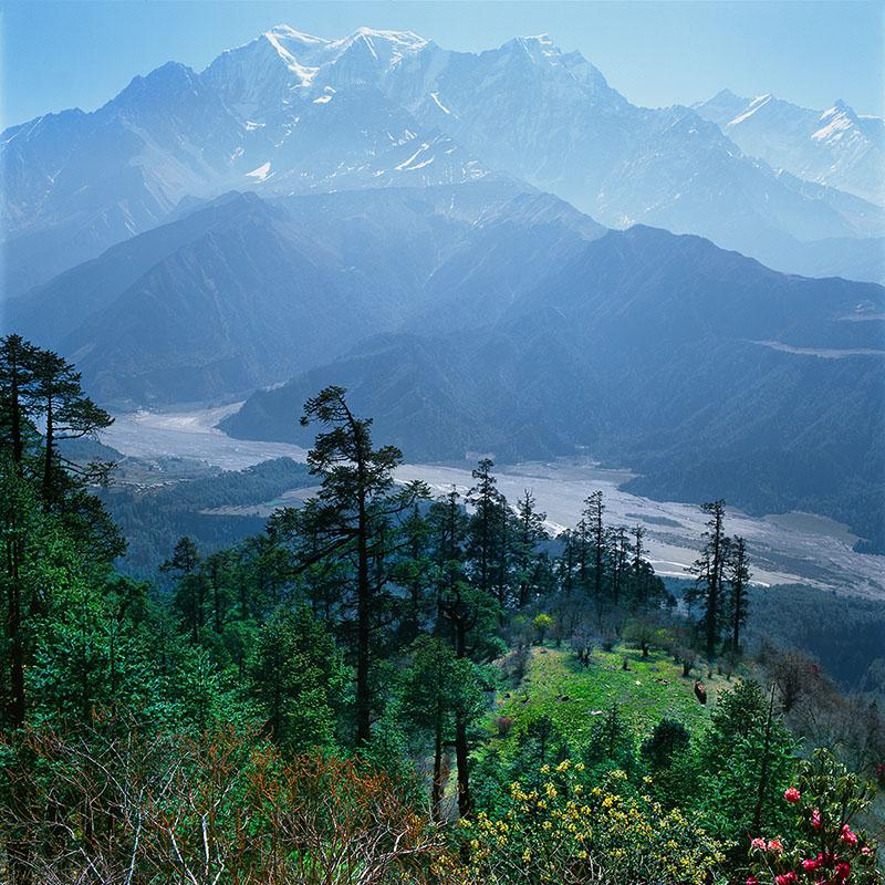 Vue sur la gorge de la Kali Gandaki, du versant Dhaulagiri - Népal