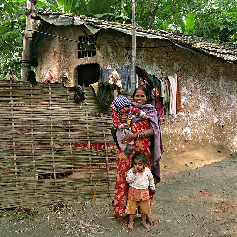 Mère et ses enfants - Téraï (Nepal)