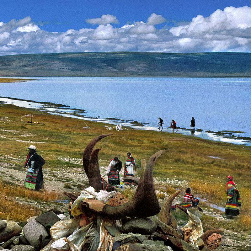 Pèlerins après ablutions - Lac Manasarovar, Tibet