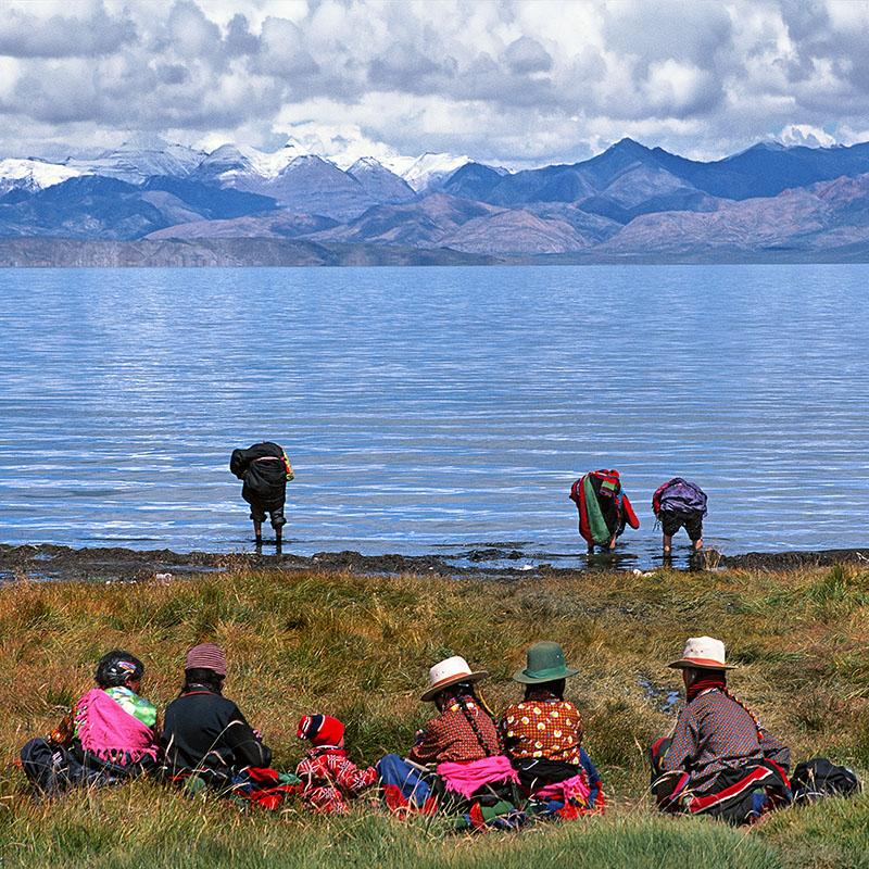 Ablutions et repos - Manasarovar, Tibet